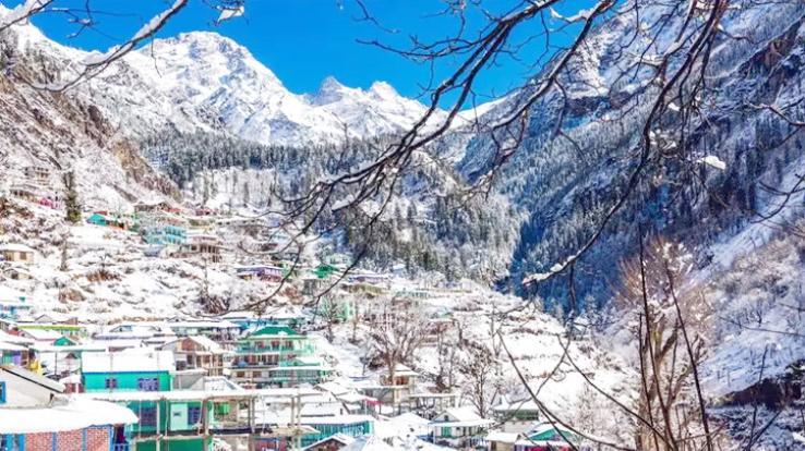 heavy-snowfall-himachal-22-april-2021