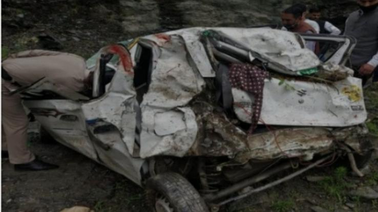 Road accident in Shimla's Rampur, 4 seriously injured