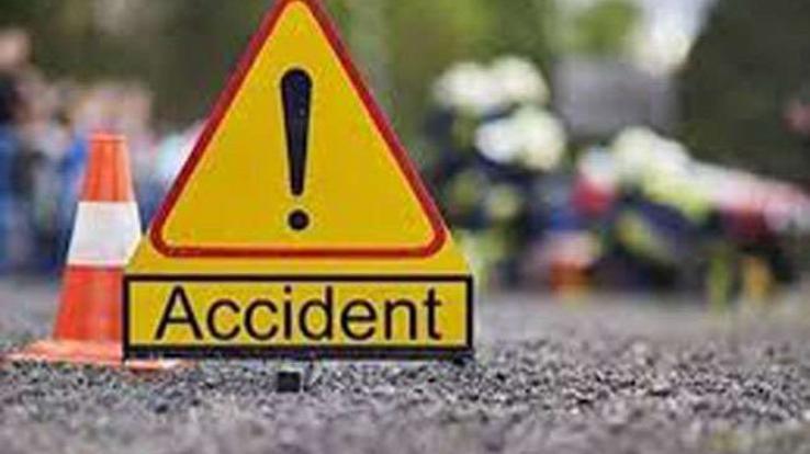 पाकिस्तान में दर्दनाक हादसा बस और ट्रक में जोरदार भिड़ंत, 30 यात्रियों की मौत