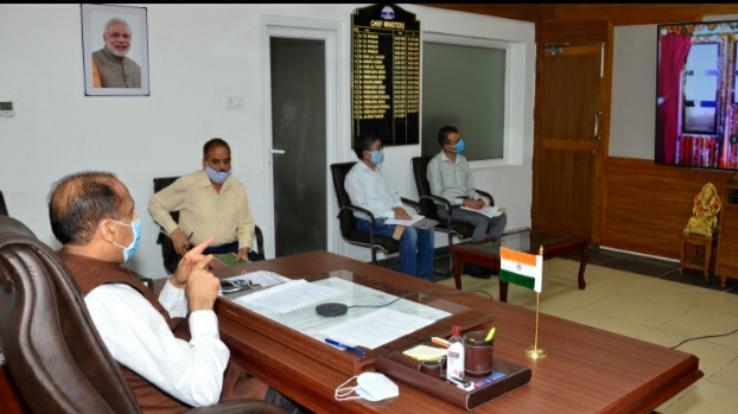 मुख्यमंत्री ने दून में विभिन्न विकासात्मक परियोजनाओं के लोकार्पण व शिलान्यास किए