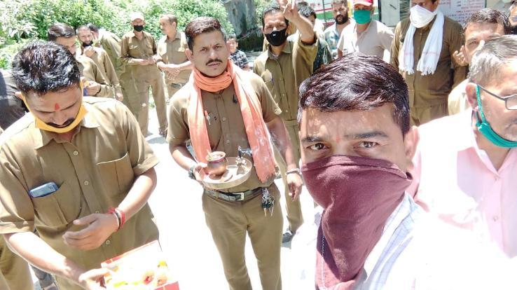 एचआरटीसी रामपुर के कर्मचारियों ने मनाया मजदूर संघ का 66वां स्थापना दिवस