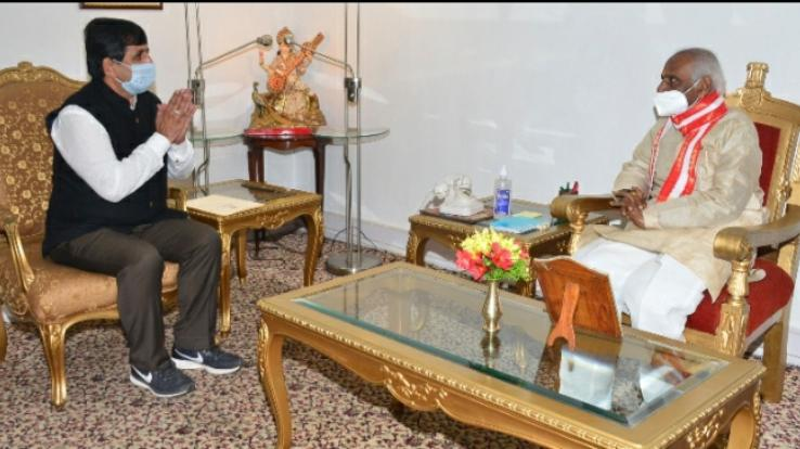 palampur-chaudhary-sarwan-kumar-vivis-vice-chancellor-meets-the-governor