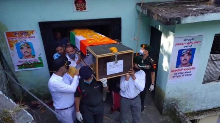 martyr-suresh-kumar-cremated-in-his-village