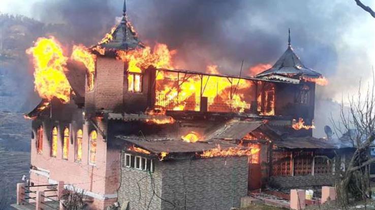 Fire-Incident-in-rohru
