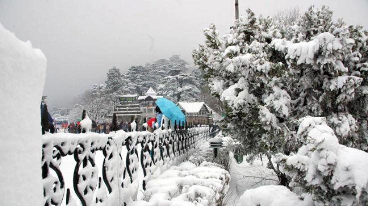 First-snowfall-of-the-year-engulfs-Shimla-temperature-dips