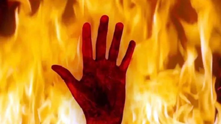 A-severe-fire-broke-out-in-the-house-in-Chamba-one-person-died