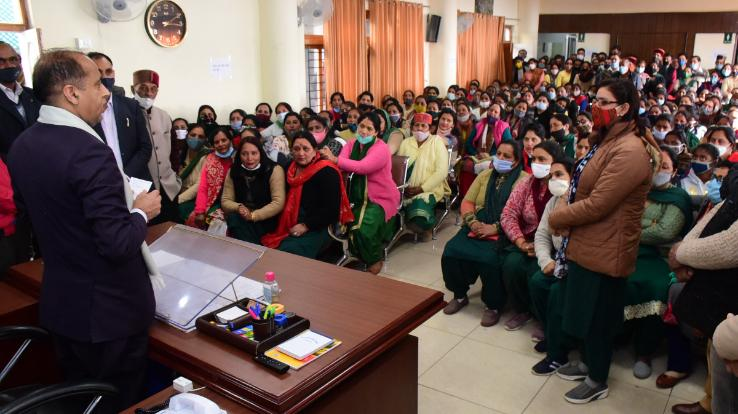 ASHA workers made the Chief Minister aware of their demands