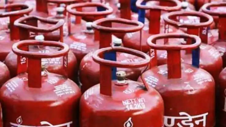 All India People's Women's Committee expressed concern over rising gas prices