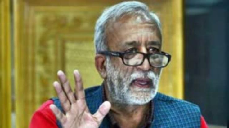 Intense tussle between Minister Sarveen and Rakesh Singha