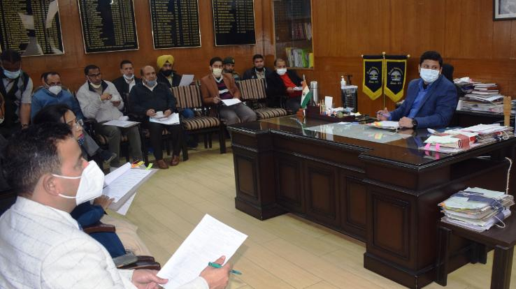 A meeting was organized to take stock of the preparations for the Himachal Day celebrations.