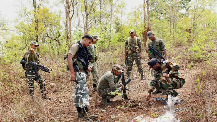 15 Naxalites killed in encounter
