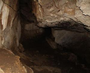 हिमालय रेंज की 28 किमी लंबी गुफा है करोल भव्य गुफा