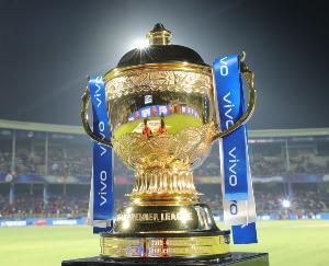 कोरोना के कहर के बीच IPL हुआ सस्पेंड, कई टीमों के खिलाड़ी संक्रमित