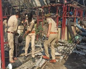 लखनऊ में ऑक्सीजन रिफिल प्लांट में धमाका, 3 लोगों की मौत