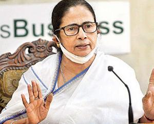 ममता सरकार  के 43 मंत्रियों ने ली शपथ, क्रिकेटर मनोज तिवारी बने राज्य मंत्री