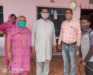 सर्व कल्याणकारी संस्था कोरोना पीड़ित परिवारों की कर रही है सहायता