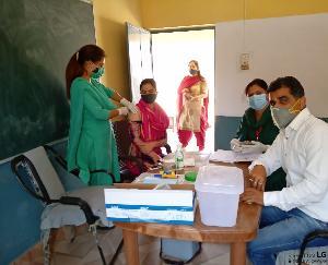 कुनिहार के जुबला में वैक्सीनेशन लगवाने के लिए युवाओ में दिखा भारी जोश