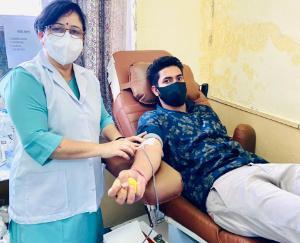 हमीरपुर मेडिकल कॉलेज में हर रोज भाजयुमो करवा रही रक्तदान