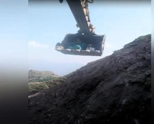 Karsog: Health Department team reached Sarteyola after sitting in JCB's bucket, know what is the whole matter