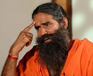 Indian Medical Association challenges Swami Ramdev for an open debate