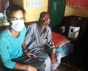 सुजानपुर विधायक राजेंद्र राणा महामारी के दौरान कर रहे पीड़ितों की मदद
