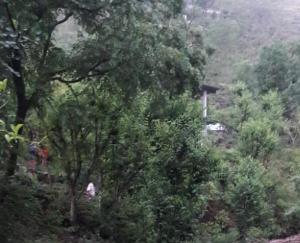 अर्की :भारी बारिश के कारण हुए नुक्सान से प्रभावित लोगो को सरकार दे मुआवजा: राजेंद्र ठाकुर