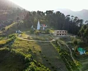 शिलाई :  शरारती तत्वों ने एक ही रात में 4 मंदिरों में चोरी की वारदात को दिया अंजाम