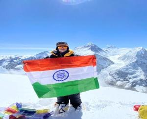 Baljeet Kaur became the first Indian woman to summit the Pumori peak of Everest june 6 2021