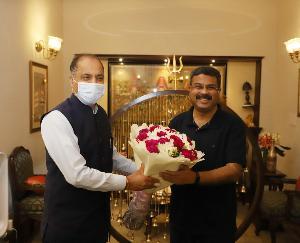 Chief Minister Jai Ram Thakur meets Union Petroleum Minister Dharmendra Pradhan in Delhi