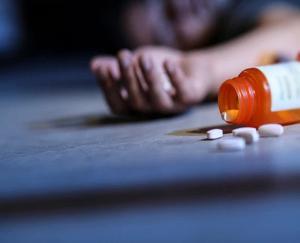 बिलासपुर : मोबाइल चलाने से रोका तो 13 वर्षीय बच्ची ने खा लिया जहर, उपचार के दौरान मौत