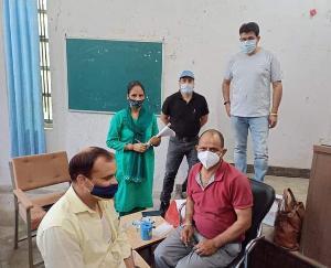 हमीरपुर :भोरंज ब्लॉक में भी 18-44 आयु वर्ग का टीकाकरण जारी