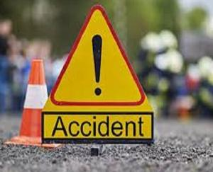 Mandi: Bike collided with a hill in Gumma, two youths injured