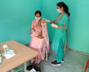 Sarkaghat: 104 people aged 18 to 44 got the vaccine in Risa Panchayat