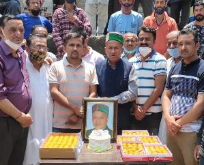 सिरमौर - रोनहाट में हर्षो उल्लास से मनाया गया राजा वीरभद्र सिंह का जन्मदिन