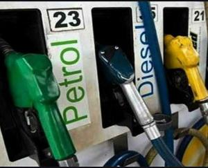 महंगाई की मार : पेट्रोल-डीजल के दामों में हुई बढ़ोतरी