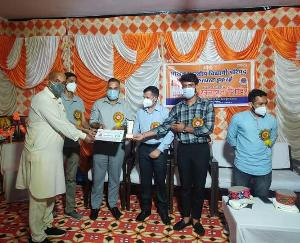 एबीवीपी सरकाघाट द्वारा आयोजित कोरोना रक्षक सम्मान समारोह में 40 कोरोना रक्षकों को मिला सम्मान तथा किया रक्तदान