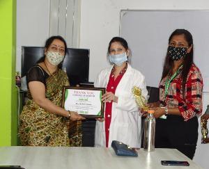 नाहन : श्री साई मल्टीस्पेशलिटी हॉस्पिटल ने किया कोरोना वारियर को सम्मानित