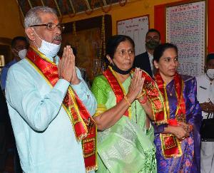 हिमाचल : राज्यपाल राजेंद्र विश्वनाथ आर्लेकर ने जाखू मंदिर में की पूजा-अर्चना