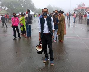शिमला : जिला प्रशासन द्वारा कोविड से बचाव के लिए किया गया जागरूक