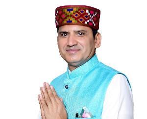 जोगिंदर नगर : व्यापार मंडल अध्यक्ष निम्न स्तर की राजनीति कर मेरे व व्यापारियों के बीच दरार डालने की कर रहे कोशिश : प्रकाश राणा