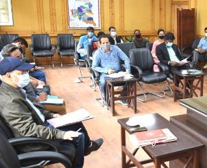 """किन्नौर: """"कैच दी रैन"""" अभियान की जिला स्तरीय समीति की बैठक आयोजित"""