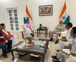 ज्वालामुखी विधायक रमेश धवाला ने की केंद्रीय मंत्री अनुराग ठाकुर से मुलाकात
