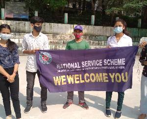 कुल्लू : महाविद्यालय में स्वच्छता पखवाड़ा के अंतर्गत एन एस एस  संव्यसेवकों द्वारा बुधवार को की गयी कॉलेज कैंपस की सफाई