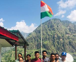 कुल्लू : अखिल भारतीय विद्यार्थी परिषद ने 350 गांवों में फहराया तिरंगा