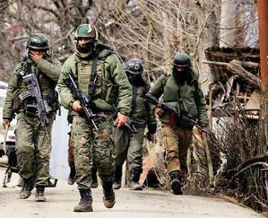 जम्मू-कश्मीर : पुलवामा के अवंतीपोरा में मुठभेड़, तीन आतंकी ढेर