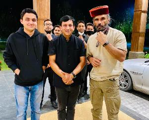 Bollywood actor Suniel Shetty reached Manali, Sunil will stay in Manali for 10 days