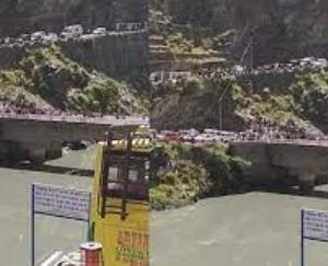 Road accident occurred in Chamba, car fell in dam, two youths missing