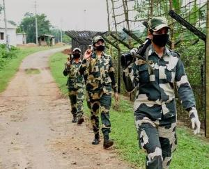 Two smugglers trying to infiltrate into the Indian border from Bangladesh killed in BSF action