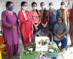 सोलन : पोषण माह के अन्तर्गत आयोजित की गई पौष्टिक आहार प्रदर्शनी
