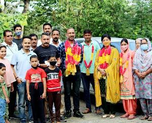 कुनिहार : शिक्षक दिवस के मौके पर रिवीं गांव के यूथ क्लब द्वारा कार्यक्रम का आयोजन
